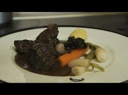 comment cuisiner le paleron recette paleron de bœuf braisé au vin météo à la carte