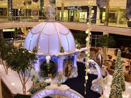 santa arrives at twelve oaks mall novi mi patch