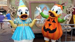 daisy and donald duck halloween costumes donald and daisy duck meet us at mickey u0027s not so scary halloween