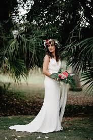 tropical boho chic wedding shoot with an art deco feel weddingomania