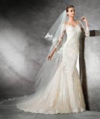 pronovias wedding dress prices choosing the bridal necklace featuring pronovias wedding