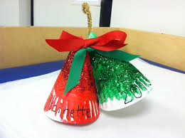 christmas decorations made with paper plates easy christmas craft