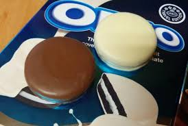 where to buy white fudge oreos get excited we can now finally buy chocolate dipped oreos