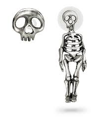 ear ring photo skellimation earring skully stud thinkgeek