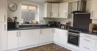 painting kitchen cabinets frenchic interiors fan uses frenchic paint to give kitchen a top to