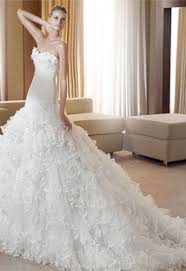 feather wedding dress fabulous feathers 2012 wedding dress trends preowned wedding