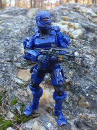 halo 4 spartan soldier blue series 1 figure review halo toy news