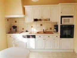 cuisine en bois blanc meuble cuisine blanc et bois idée de modèle de cuisine