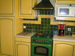 cuisine jaune et verte cuisine provençale 3 photos patricia71