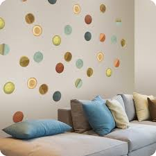 awesome ideas to decorate the wall with polka dots
