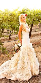 feather wedding dress 24 beautiful feather wedding dresses trend for 2017 feather