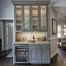 Glass Cabinet Kitchen Oak Is Making A Comeback See How This Kitchen Remodel