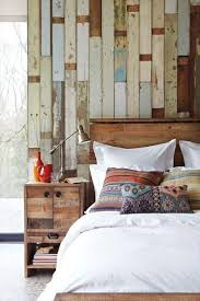 Barn Wood Wall Ideas by Best 25 Modern Rustic Bedrooms Ideas On Pinterest Masculine