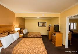 2 bedroom suites anaheim accommodations at hotels near disneyland anaheim islander inn