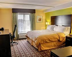 Virginia Beach 2 Bedroom Suites Clarion Inn U0026 Suites Virginia Beach Va Booking Com