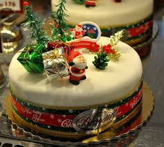 27 best christmas cakes images on pinterest holiday cakes