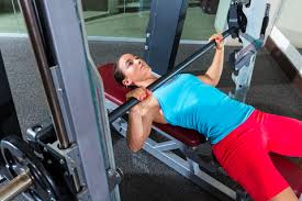 Bench Press For Beginners Why The Smith Machine Bench Press Is Ideal For Beginners