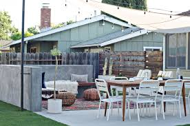 Modern Backyard Modern California Backyard Reveal The Vintage Rug Shop The