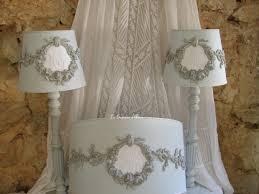 abat jour romantique chambre abat jour shabby chic romantiques brodés en washed gris