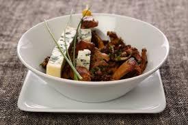 cuisiner pieds de mouton recette de fricassée de pieds de mouton et fourme d ambert facile et