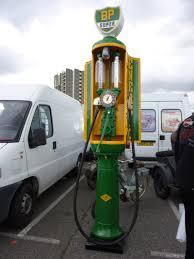 pompe essence vintage vieille pompe à essence
