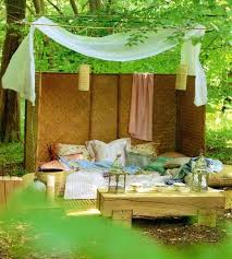 Diy Backyard Canopy 25 Diy Outdoor Bed Ideas Summer Decorating With Spa Beds