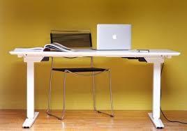 un bureau motorisé ajustable ergonomique bureau assis debout