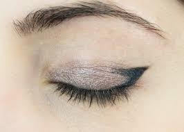 how to create a simple cat eye look using pencil eyeliner jessoshii