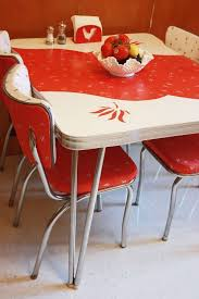 Diner Style Kitchen Table by Best 25 Retro Kitchen Tables Ideas On Pinterest Retro Table And