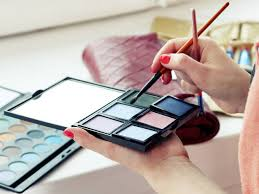 makeup schools nyc best makeup classes in nyc for beginners and professionals