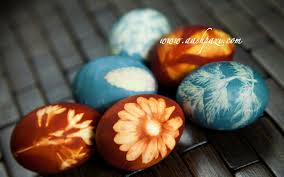 Decorating Easter Eggs With Silk by Dye Easter Eggs With Natural Ingredients Recipe Youtube