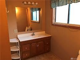 R2 Bathroom Furniture by 1430 Centralia Alpha Rd Chehalis Wa 98532 Mls 1206626
