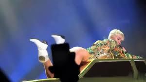 Miley Cyrus Twerk Meme - miley cyrus trying to twerk youtube