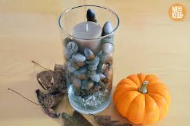 an easy thanksgiving centerpiece that you can make with the