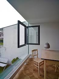 ingenious glass cube showcases a bold and brilliant home extension