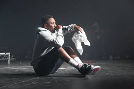 kendrick lamar house and cars sc celebrity sneaker watch kendrick lamar in the air jordan retro