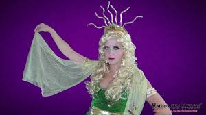 how to create a medusa costume look