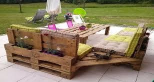 canapé exterieur en palette quel entretien pour un salon de jardin en palette