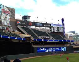 jackie robinson observing baseball