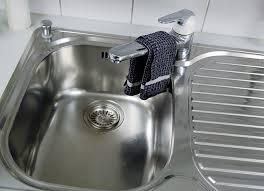 stinkender abfluss küche küchenabfluss verstopft