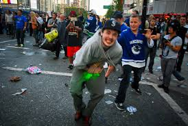Vancouver Riot Kiss Meme - canadians riot for the dumbest reason possible archive the phora