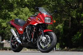 review of kawasaki gpz 900 r 1984 pictures live photos