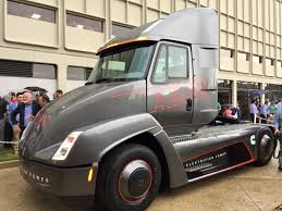 tesla truck cummins beats tesla with a fully electric semi truck inhabitat