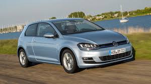 first drive volkswagen golf 1 6 tdi bluemotion 5dr top gear