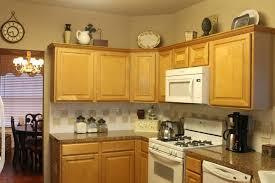 kitchen ideas with cream cabinets kitchen cabinets top decorating ideas cabinets top decorating ideas