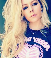 singer avril lavigne 7 wallpapers did avril lavigne die in 2003 bizarre conspiracy theory