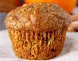 cuisiner la citrouille notre recette de muffins à la citrouille et aux bananes est toute