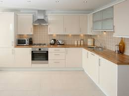 cuisine travertin cuisine cuisine en bois blanc ceruse cuisine en bois blanc