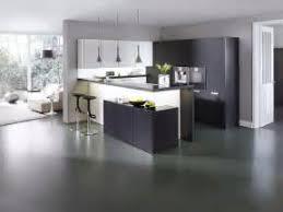 cuisine blanche mur aubergine plan de travail couleur aubergine elements bas start caisson bas