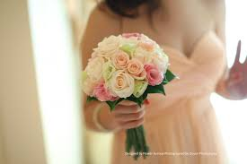 flower avenue and peach wedding blooms